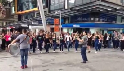 Brisbane's FIRST EVER Middle-Eastern Flashmob (video)